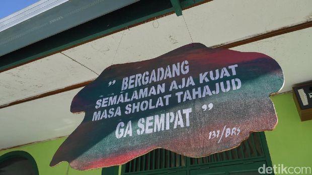 Kalimat Pengingat Ibadah di Pos TNI Perbatasan Indonesia-Malysia