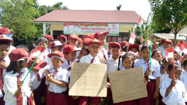 Desa Tomuan Holbung di Sumut akhirnya nikmati listrik