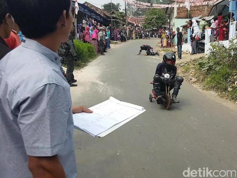 Berani Melesat 50 Km/Jam Tanpa Rem? Coba Ikut Balap Lori di Sukabumi