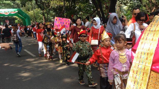 Anak-anak turut memeriahkan karnaval di Kopassus