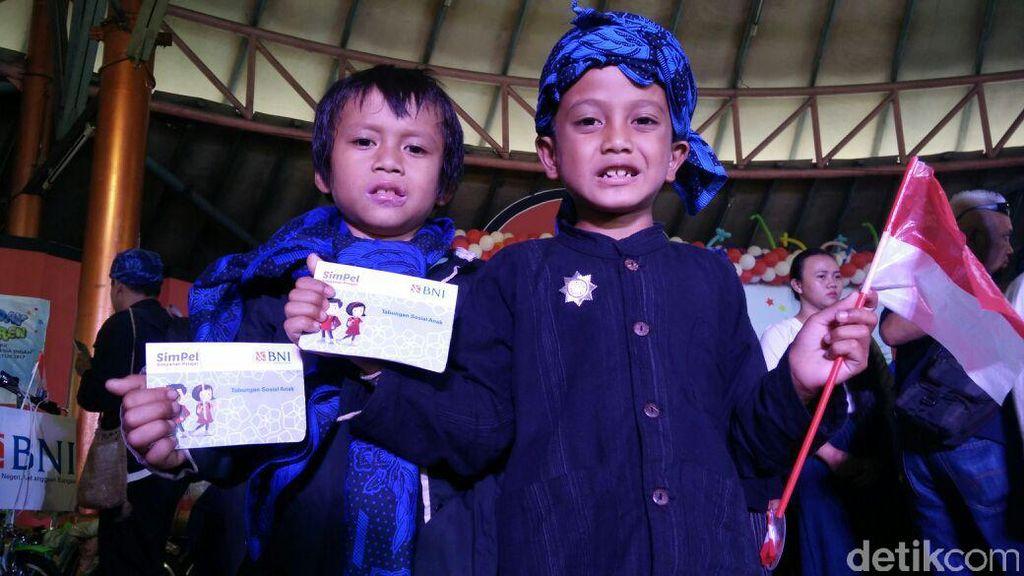 75 Anak Baduy Luar Dapat Tabungan Sosial dari Kemensos dan BNI