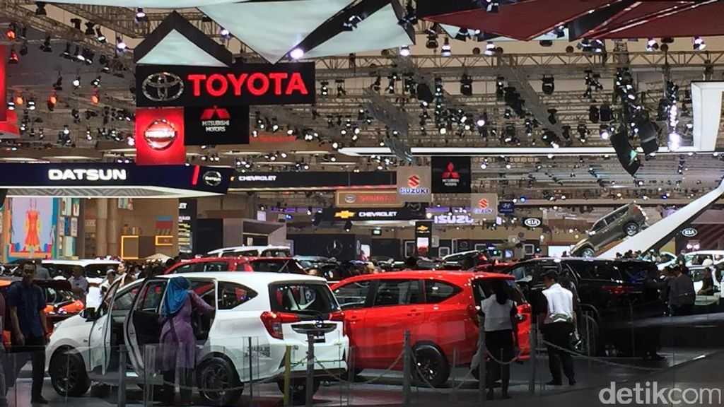 Sampai Bulan Ke-10, Penjualan Mobil Tak Turun
