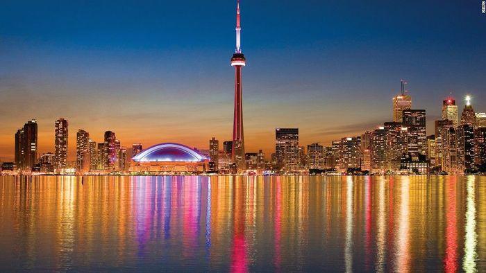 Toronto adalah kota terbesar di Kanada dan merupakan ibu kota provinsi Ontario. Penghuni Toronto dijuluki Torontonian. Istimewa.