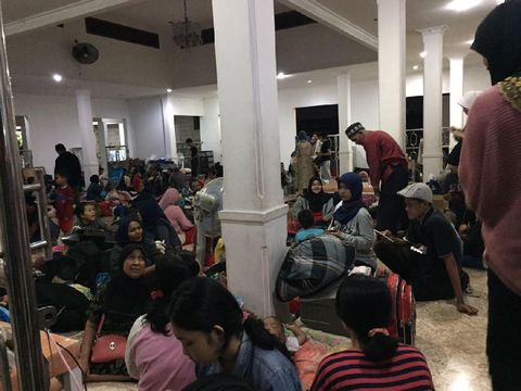 Warga korban kebakaran ditampung sementara di Masjid-masjid