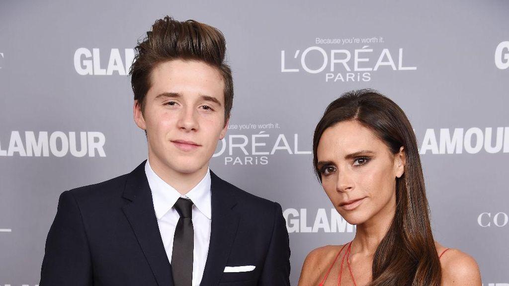 Emosional, Victoria Beckham Sedih Putranya Masuk Kuliah