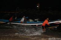 2 Nelayan di Garut Ditemukan Selamat Setelah Terapung 4 Jam