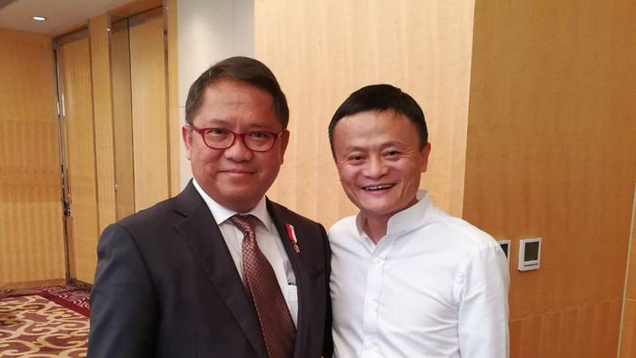 Menkominfo Rudiantara dan CEO Alibaba Jack Ma