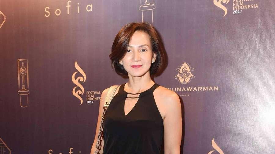 Senyum Manis Wanda Hamidah