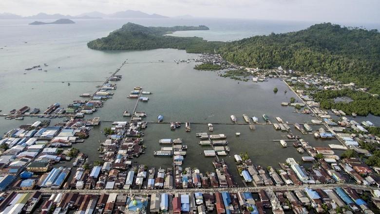 Kota di Natuna yang sebagian wilayahnya terapung di atas laut (ANTARA/M Agung Rajasa)