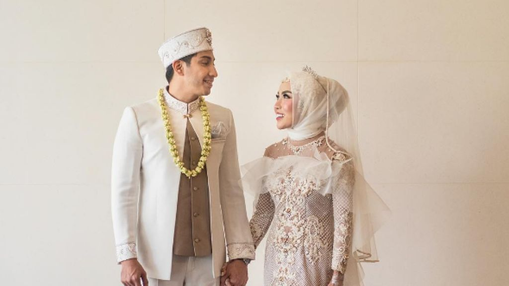 Kata Medina Zein Saat Netizen Nyinyir Pernikahannya dengan Adik Ayu Azhari