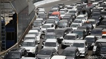 Rest Area Padat Menambah Kemacetan di Tol Jakarta-Cikampek