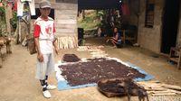 Warga Desa Suruh Tembawang.