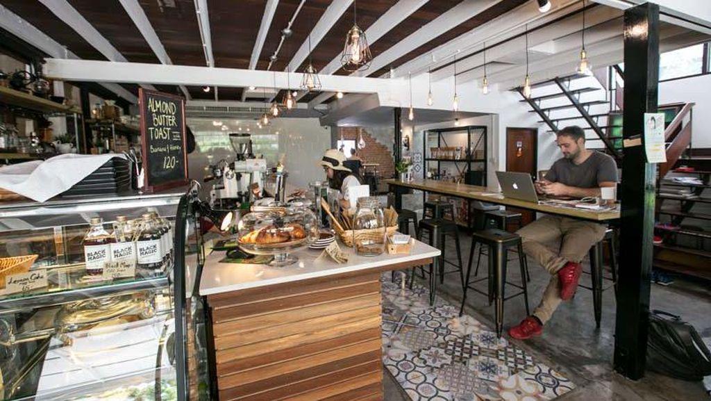 Jalan-jalan ke Bangkok? Ini 17 Kafe yang Asyik untuk Ngopi dan Hangout di Bangkok