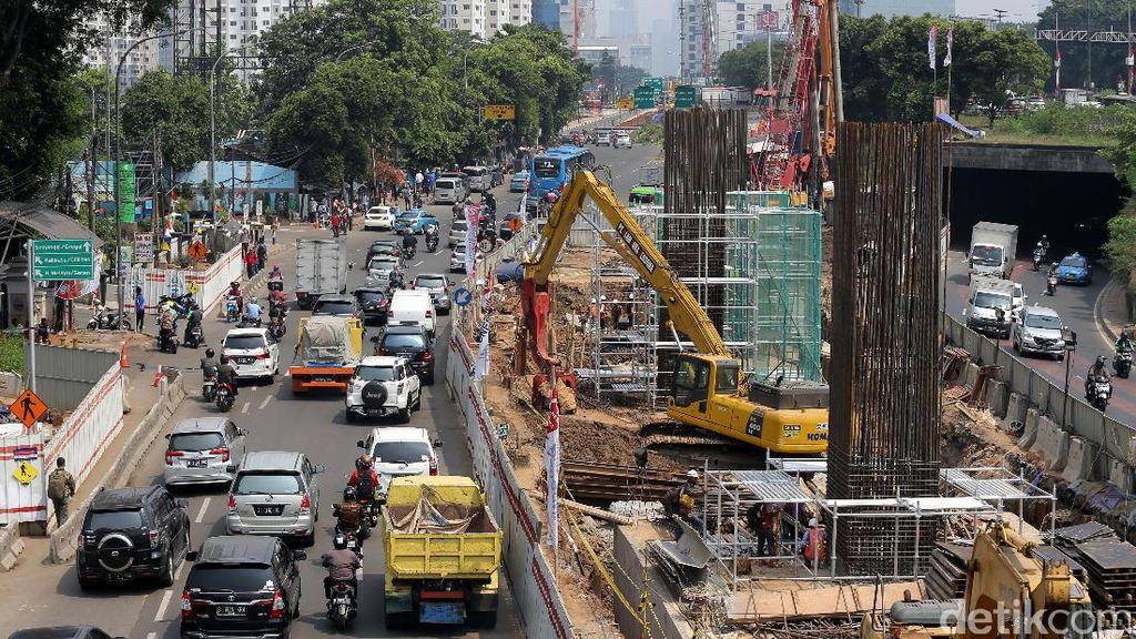Luhut Sebut Banyak Investor Asing Lirik Proyek LRT Jabodebek
