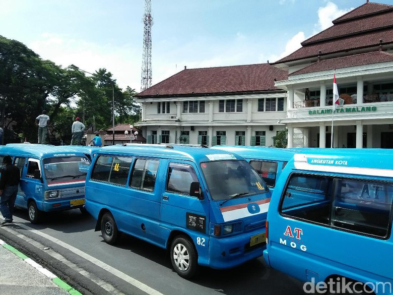 Organda Malang Sesalkan MA Cabut Aturan Taksi Online