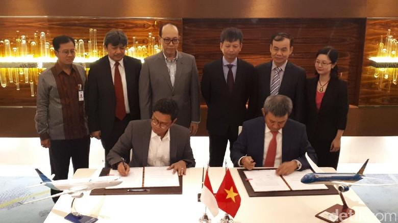 Foto: Penandatanganan MoU Garuda Indonesia dan Vietnam Airlines (Afif/detikTravel)