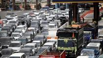 Ada Kecelakaan Beruntun, Lalin Tol Cikampek-Jakarta Padat 10 Km