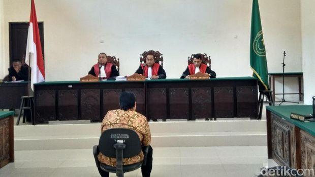 Dimas Kanjeng Divonis 2 Tahun Bui di Kasus Penipuan