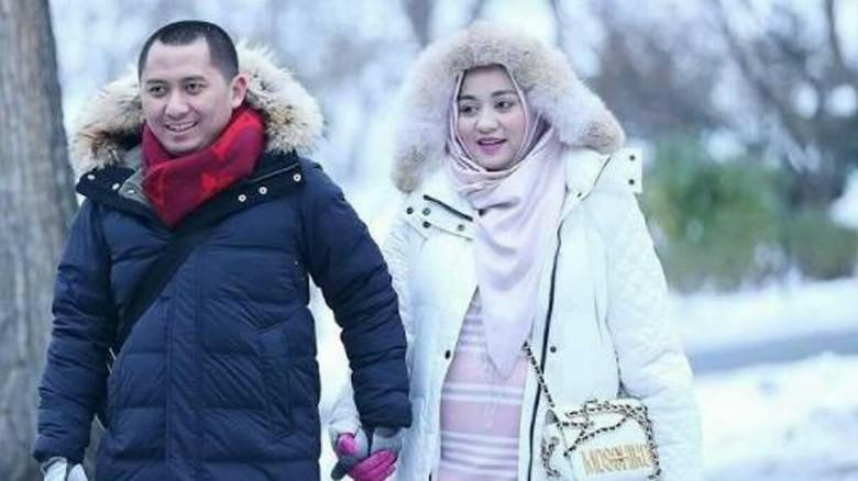 Masa Penahanan Pasutri Bos First - Jakarta Bareskrim Polri memperpanjang masa penahanan pasangan bos First Andika Surachman dan Anniesa Masa penahanan keduanya diperpanjang sejak