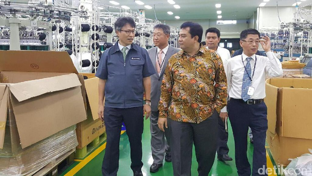 Korea akan Bangun Pabrik Bahan Sneakers Rp 330 M di Karawang