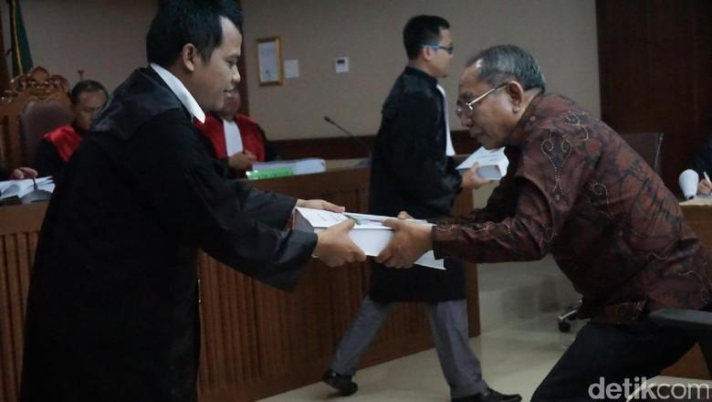 Suap P2KTrans, Charles Mesang Dituntut 5 Tahun