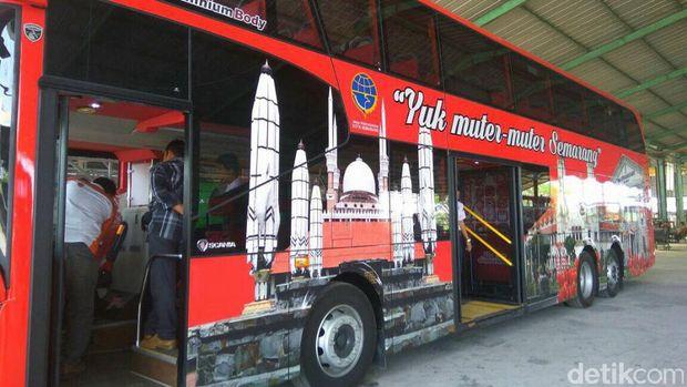 Bus Tingkat ini akan berkeliling lokasi wisata di Semarang.