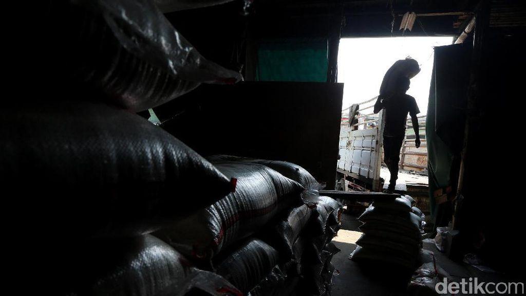 Pedagang di Pasar Klender Tak Tahu ada HET Beras