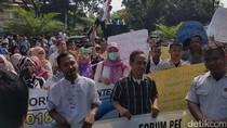 Pegawai Pemprov Banten Gelar Aksi Tuntut Peningkatan Upah
