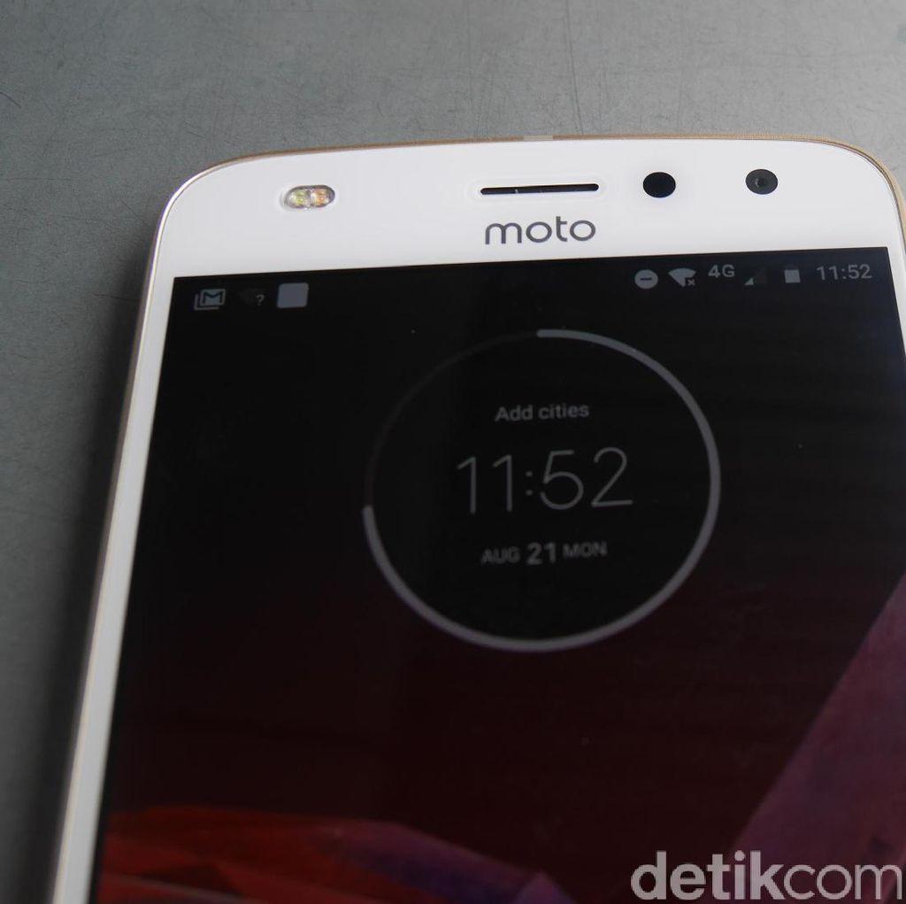 Ponsel Motorola Lebih Bermasa Depan Ketimbang Lenovo