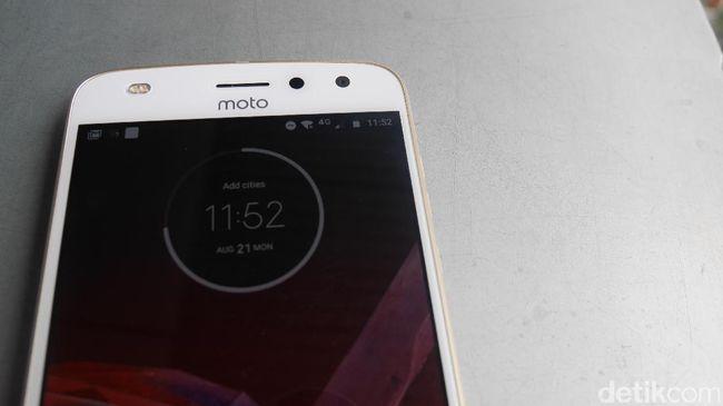 'Ponsel Motorola Lebih Bermasa Depan Ketimbang Lenovo'