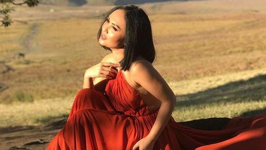 Yuni Shara Tetap Cantik dan Seksi
