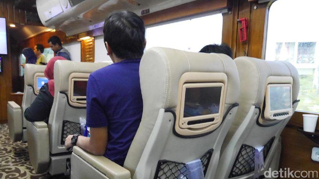 Kursi di KA Wisata Seperti di Pesawat