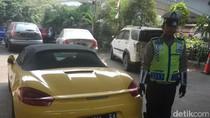 Porsche Kuning yang Berkeliaran di Jalan Sudah Diblokir KPK sejak 2014