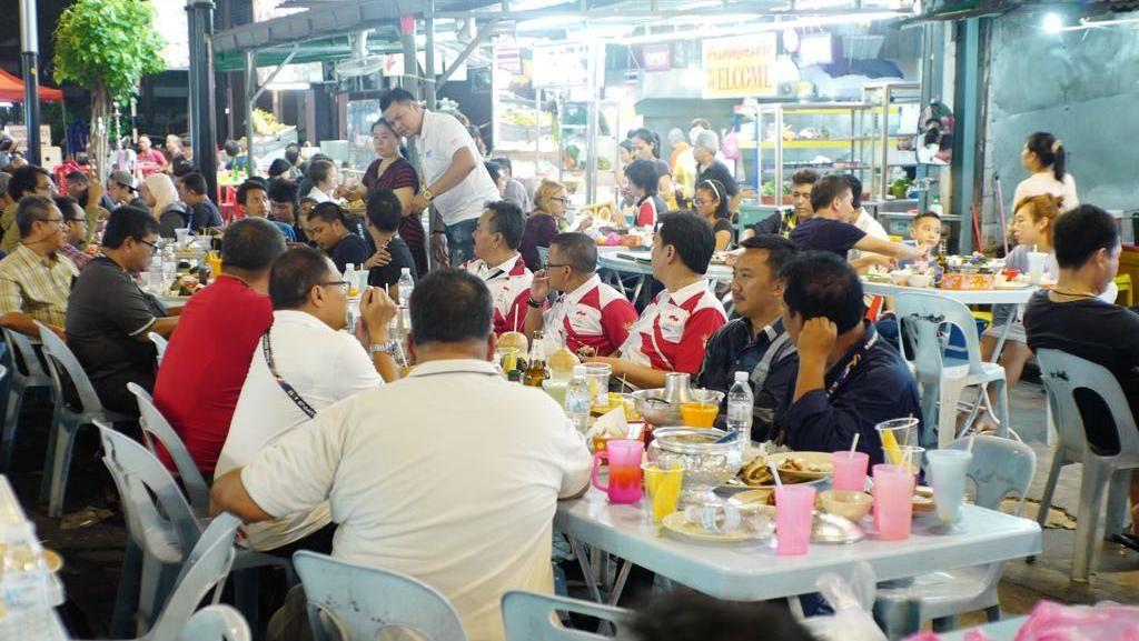 Menpora di SEA Games: Siang Dukung Indonesia, Malam Berburu Kuliner