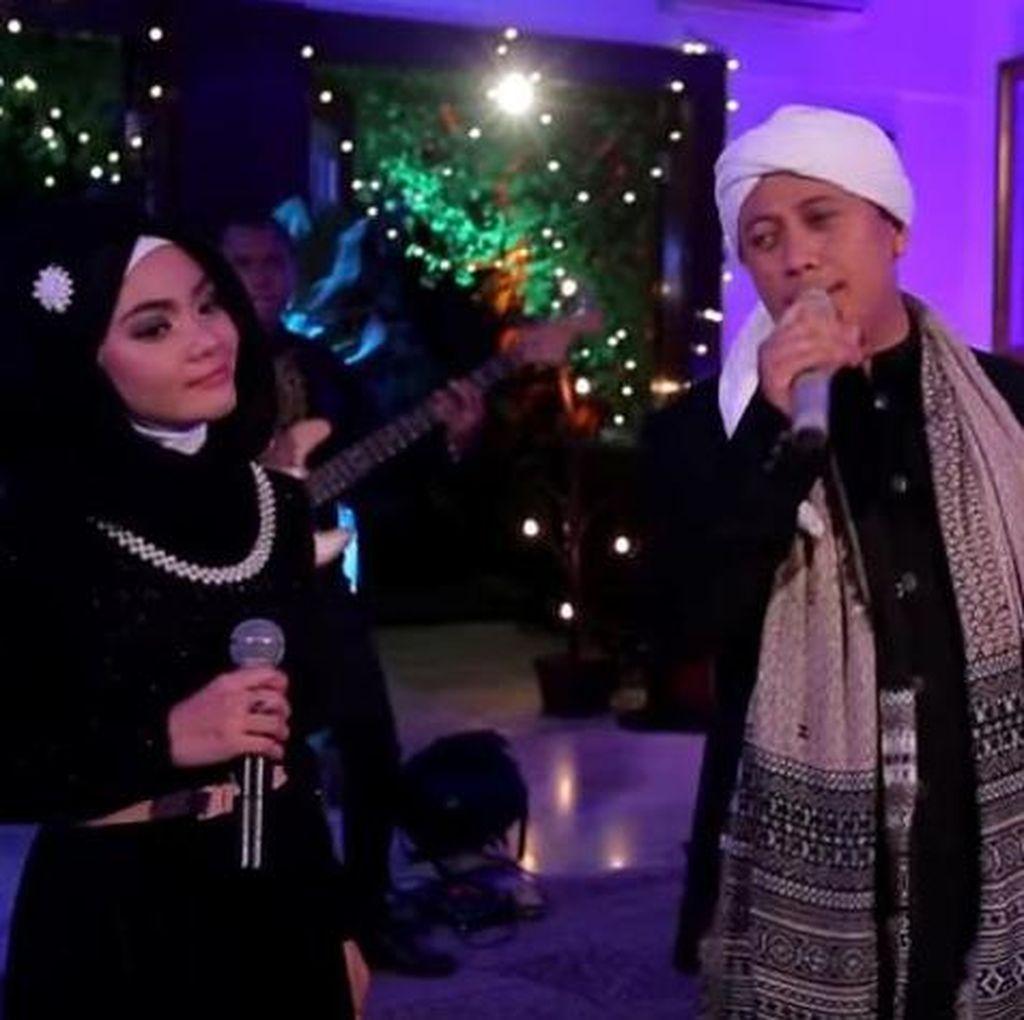 Wulan Mayangsari, Backing Vocal yang Berhasil Rebut Hati Opick