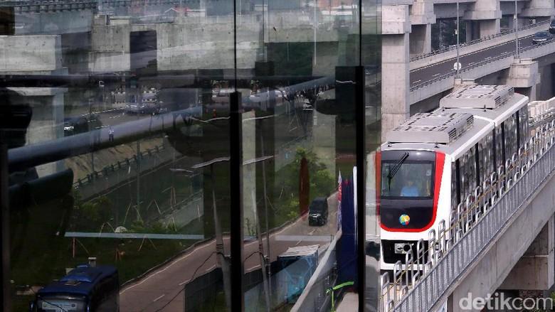 Diresmikan 2 Menteri, Skytrain Bandara Soetta Mulai Beroperasi
