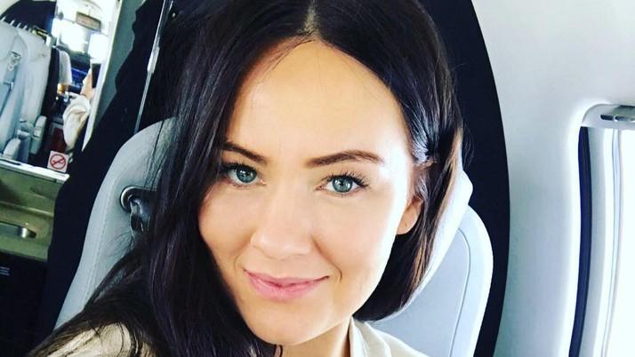 Dee Devlin, Perempuan Cantik Penjinak Conor McGregor