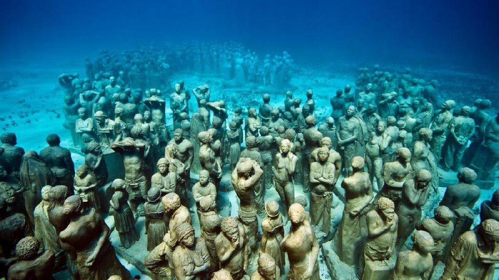 Inilah Museum di Dasar Laut