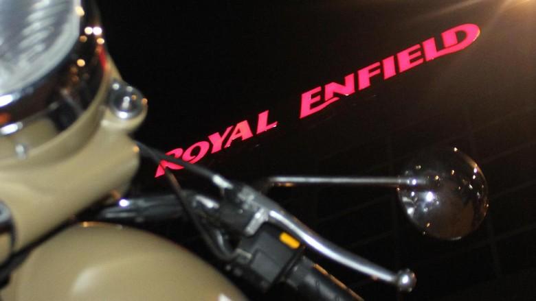 Royal Enfield Incar Penggemar Cafe Racer di Bali