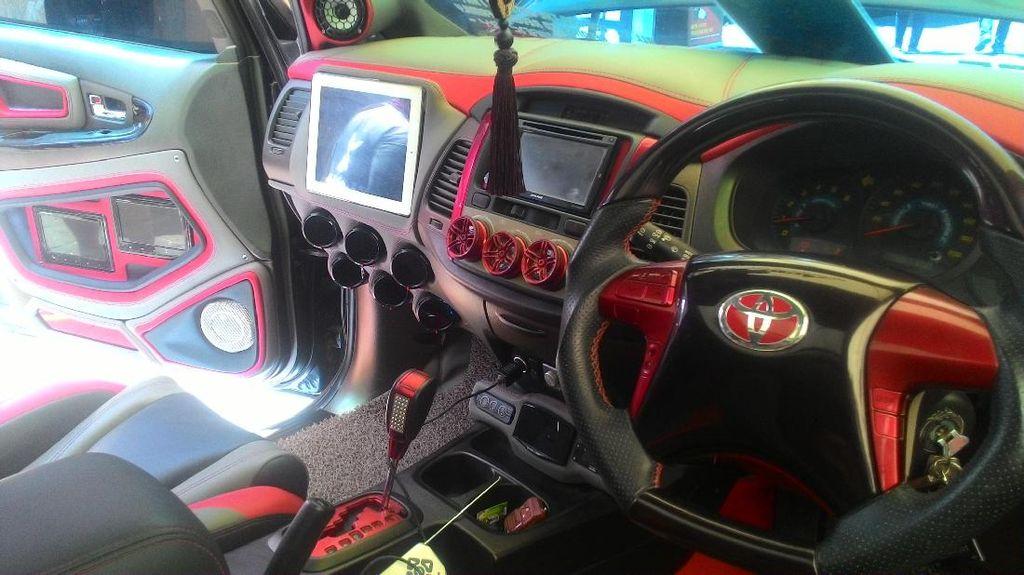 Heboh Larangan Dengarkan Musik di Mobil, Ini Penjelasan Polisi