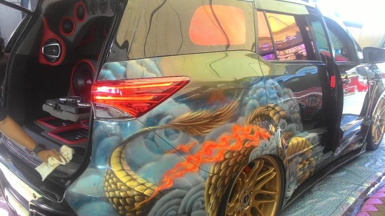 Toyota Kijang Innova Disulap Jadi Fortuner Baru