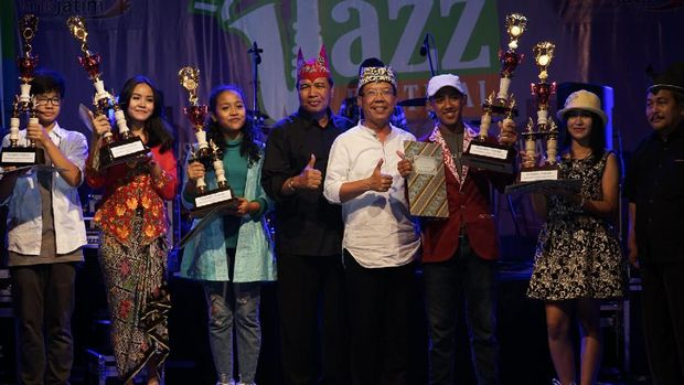 Para pemenang Banyuwangi Student Jazz Festival (BSJF) 2017
