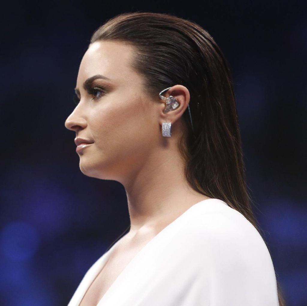 Duh! Demi Lovato Hampir Tewas karena Overdosis Obat Terlarang