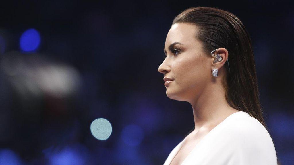 Seleb di Duel Mayweather vs McGregor: Mike Tyson Sampai Demi Lovato