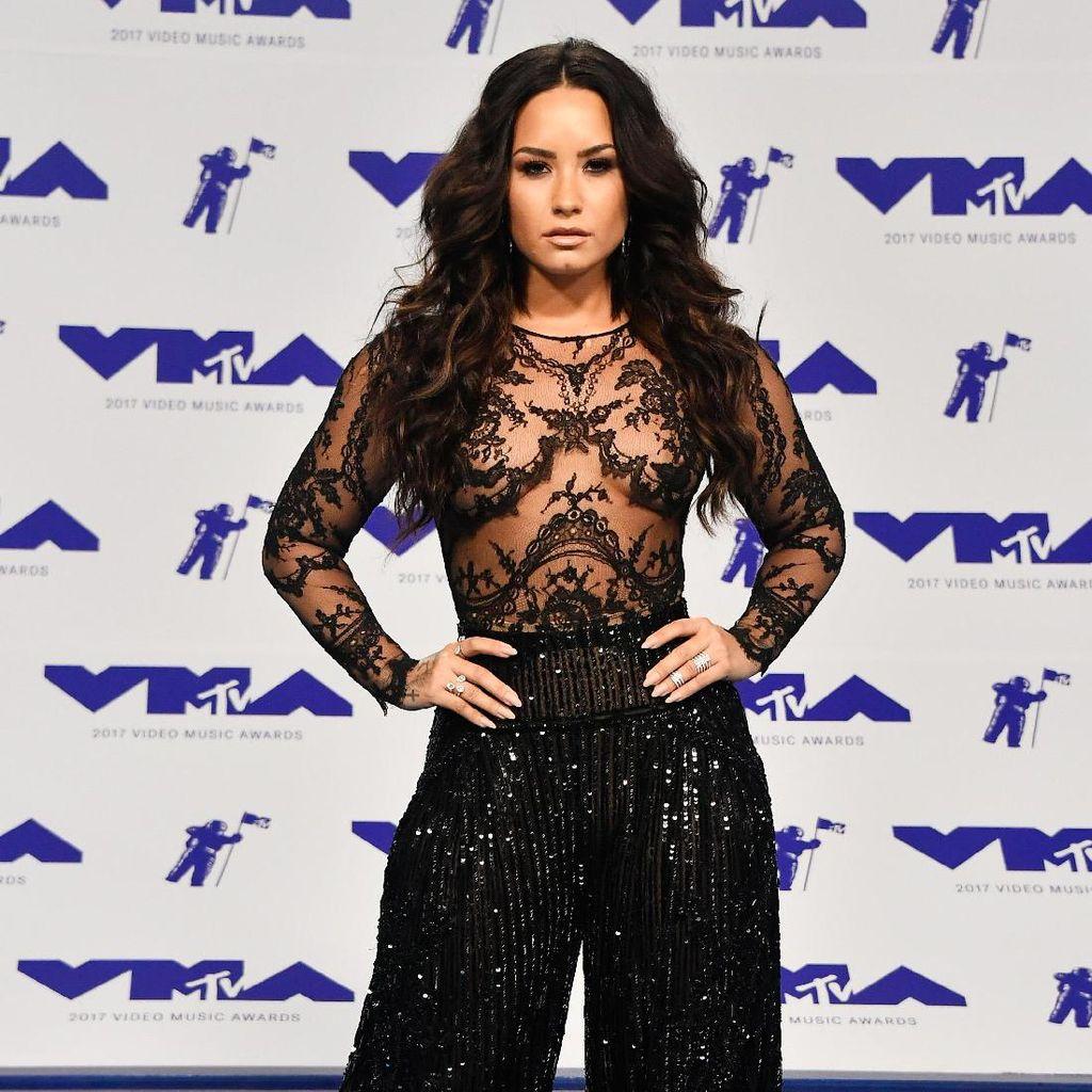 Tell Me You Love Me: Mengulik Sisi Soulful Demi Lovato