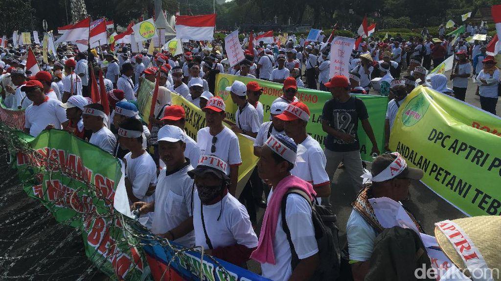 Ribuan Petani Tebu Demo ke Istana, Tuntut Harga Gula Naik