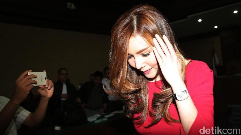 Kasus e-KTP, Inayah Istri Andi Narogong Kembali Dicegah KPK