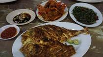 Libur Tahun Baru Ada di Anyer? Cicip Seafood Enak di Tempat Ini
