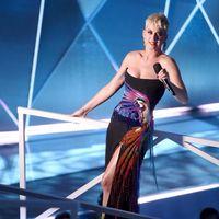 Katy Perry Jadi Dancer Taylor Swift?