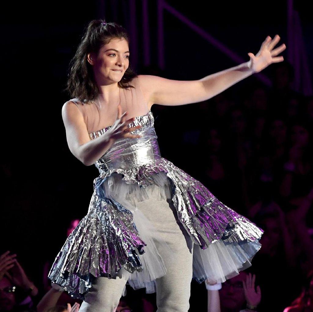 Lorde Jawab Rumor Kencan dengan Jack Antonoff